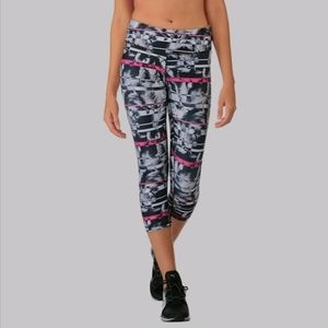 Puma All Eyes On Me Workout Crop Leggings S